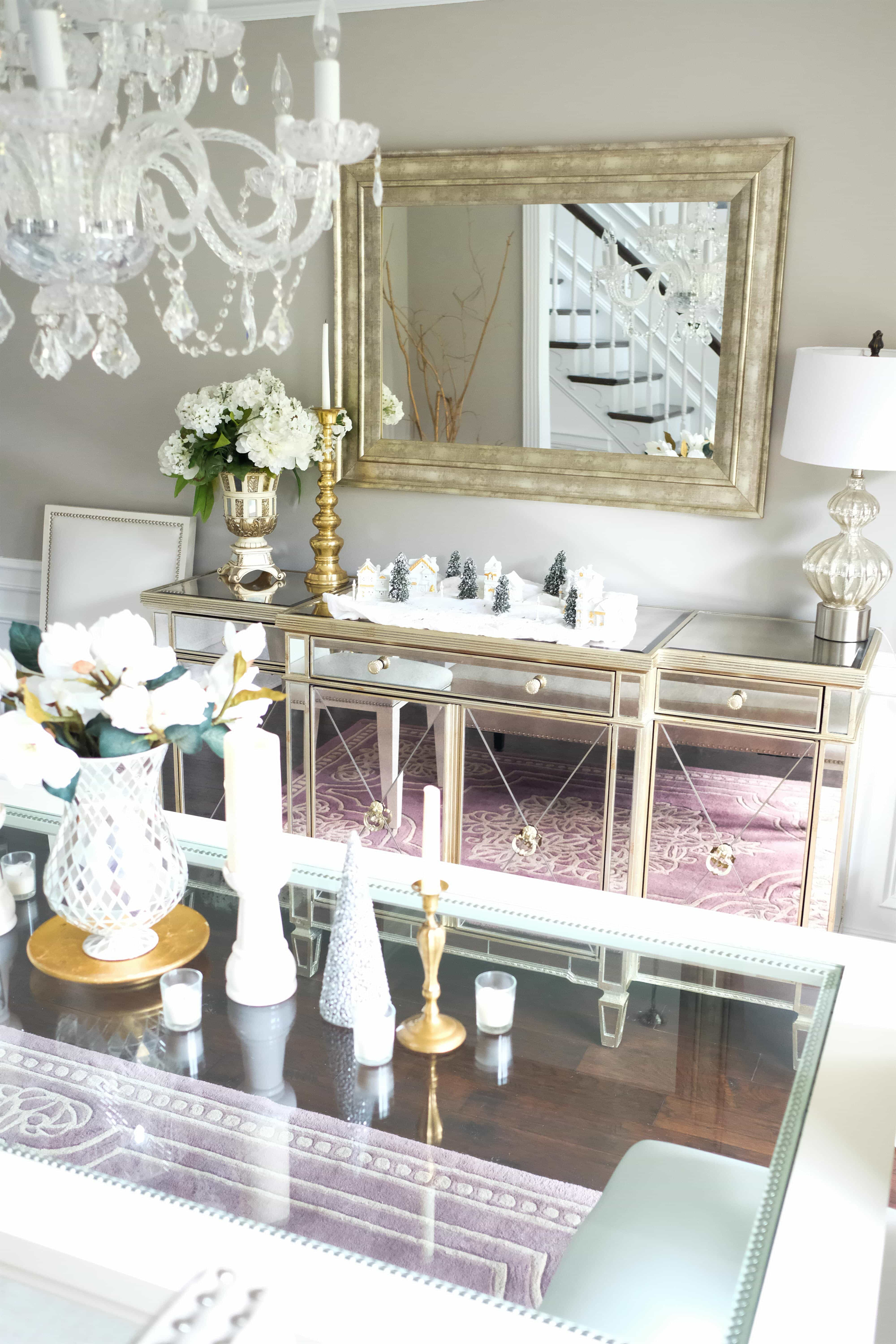 Dining Room White Silver Gold Mirrored Christmas Decorations